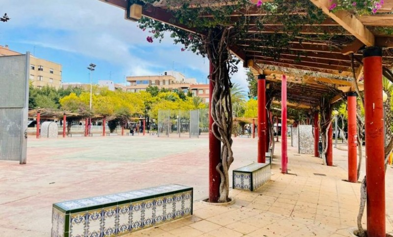 <span style='color:#780948'>ARCHIVED</span> - Garden of Andalucia in Elche to undergo major revamp