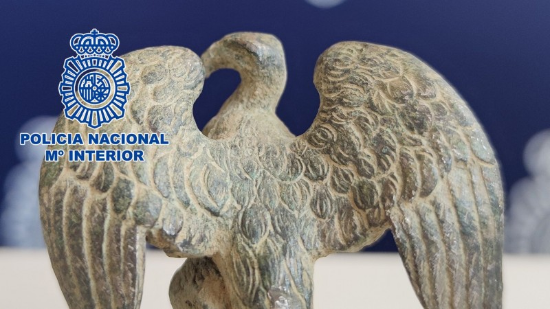 <span style='color:#780948'>ARCHIVED</span> - Archaeologists study mystery Roman eagle recovered by police in Badajoz