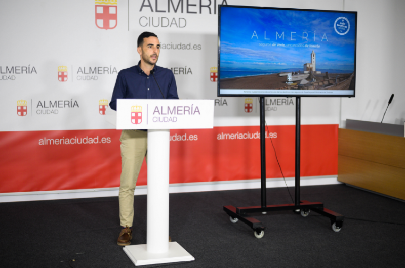 30 metro stations in Madrid advertise Almeria in push for tourism