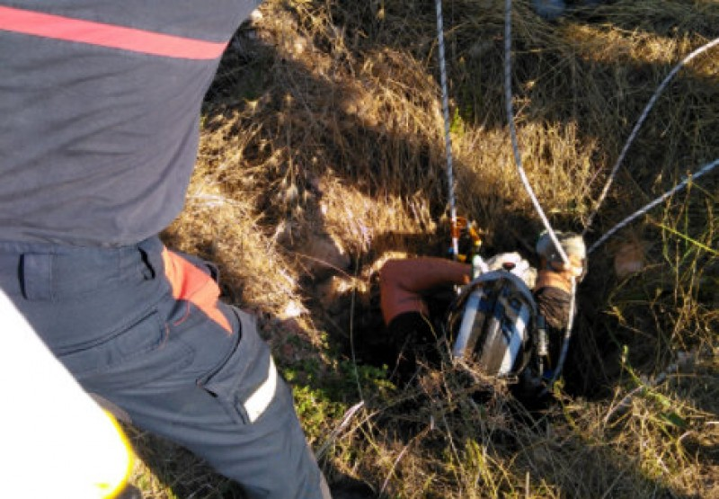 <span style='color:#780948'>ARCHIVED</span> - Man rescued after falling down  5-metre well in Fuente Álamo, Murcia