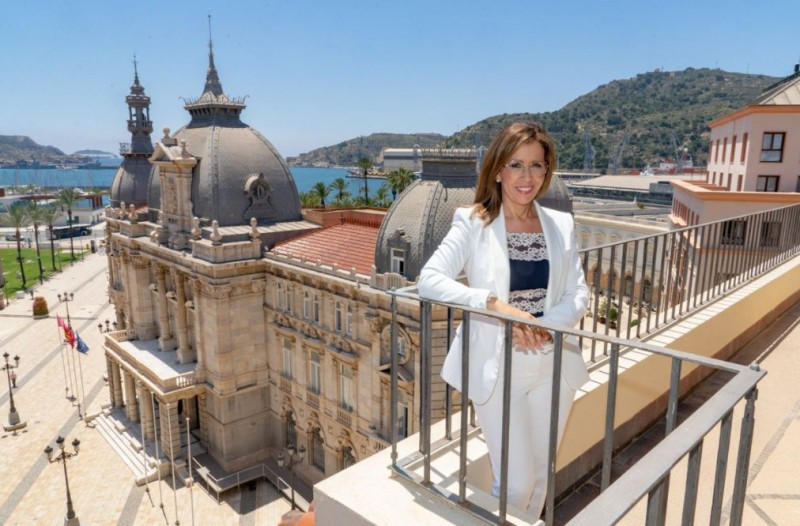 <span style='color:#780948'>ARCHIVED</span> - Mayoress of Cartagena resigns