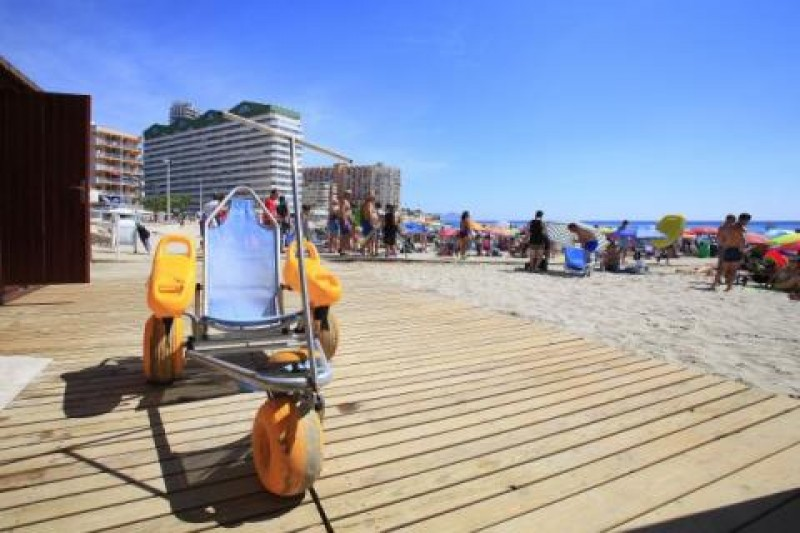 <span style='color:#780948'>ARCHIVED</span> - Adapted beaches reopen in Calpe