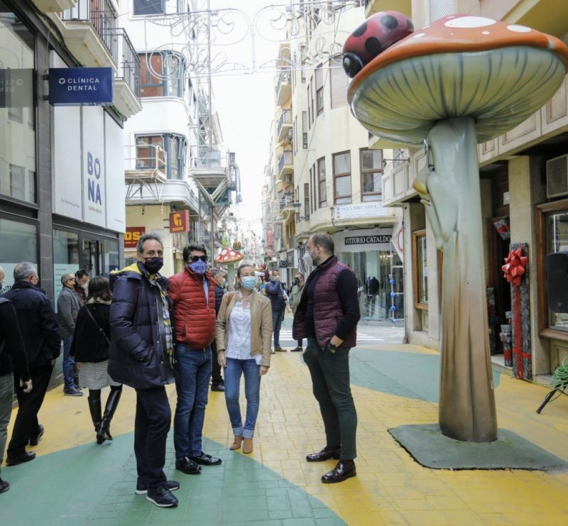 <span style='color:#780948'>ARCHIVED</span> - Alicante hosts first San Juan shop window contest to boost local trade