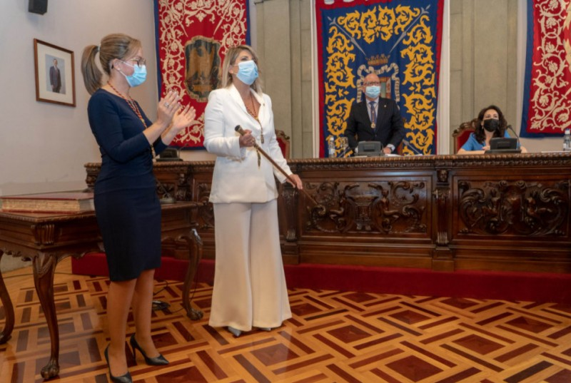 <span style='color:#780948'>ARCHIVED</span> - Noelia Arroyo takes office as Mayoress of Cartagena