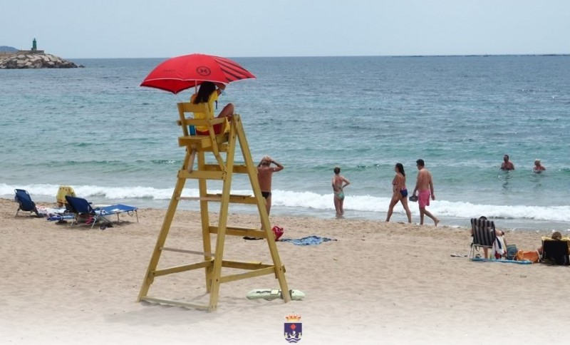 <span style='color:#780948'>ARCHIVED</span> - Lifeguards return to Villajoyosa beaches on the Costa Blanca