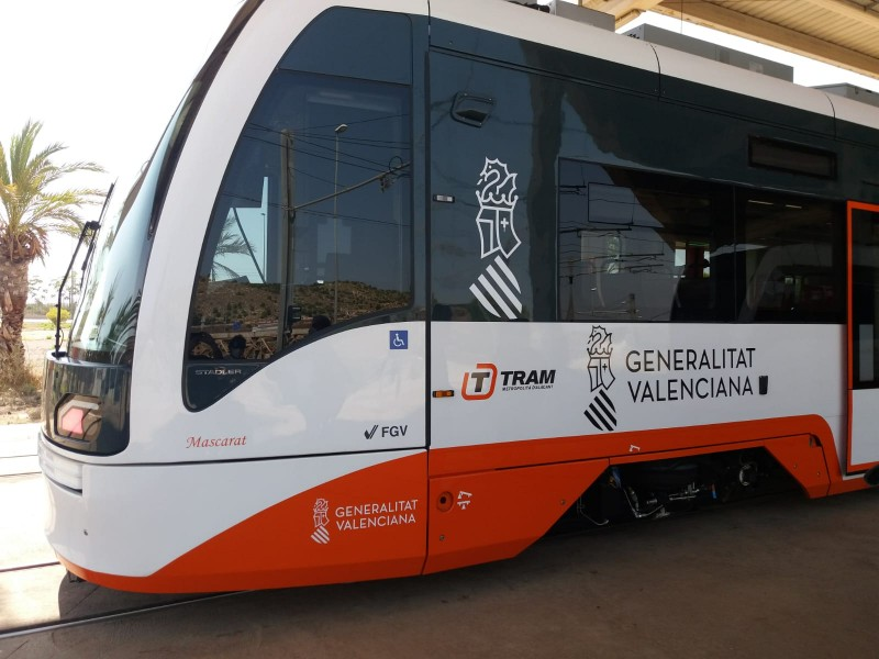 <span style='color:#780948'>ARCHIVED</span> - Pensioner suffers multiple injuries after being hit by Tram in Alicante