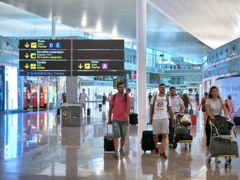 <span style='color:#780948'>ARCHIVED</span> - Alicante-Elche Airport officially changes its name