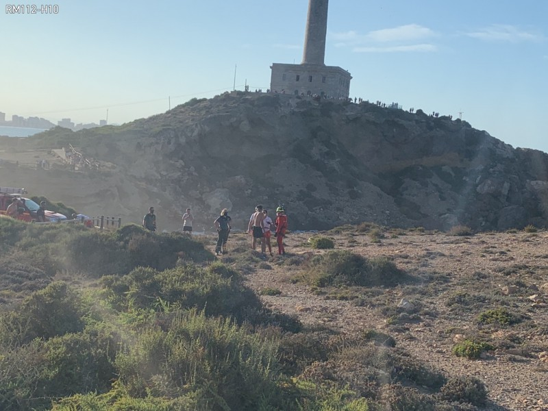 <span style='color:#780948'>ARCHIVED</span> - Helicopter forced to rescue man trapped on a rock in Cabo de Palos