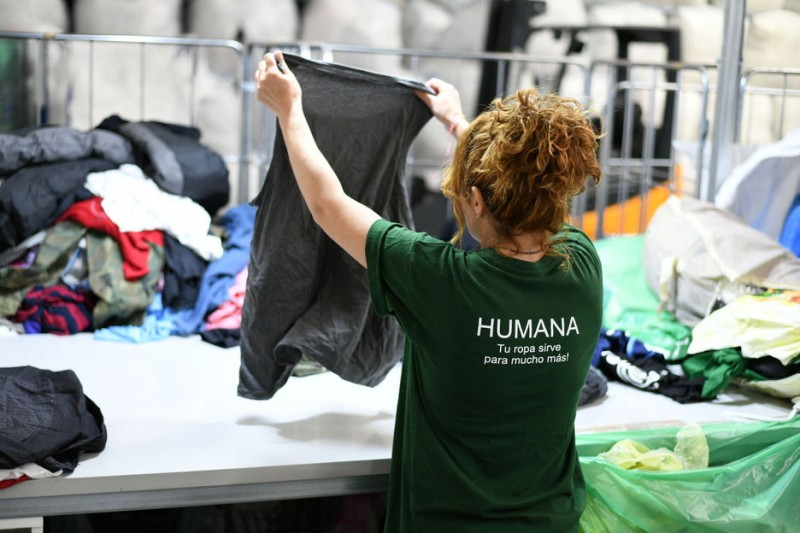 <span style='color:#780948'>ARCHIVED</span> - Javea recycles 50 tonnes of used clothing in six months