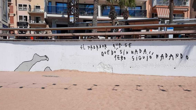<span style='color:#780948'>ARCHIVED</span> - Local artist creates motivational mural at Benidorm beach