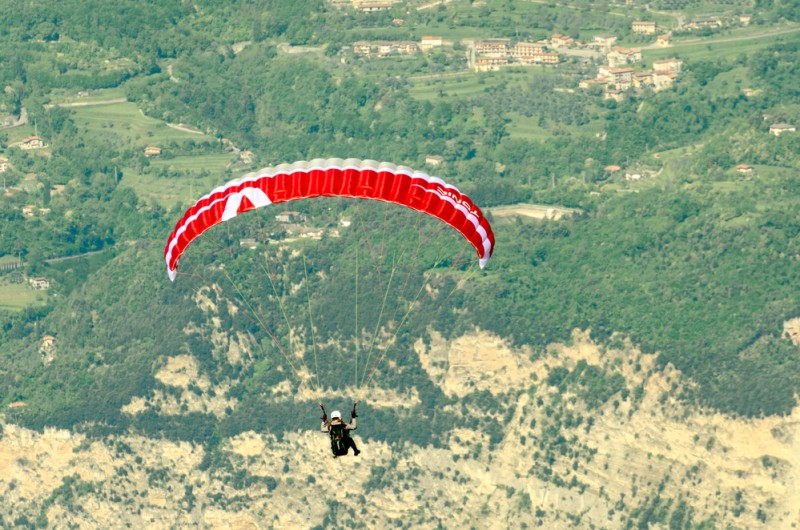 <span style='color:#780948'>ARCHIVED</span> - Paraglider pilot injured in Alhama de Murcia