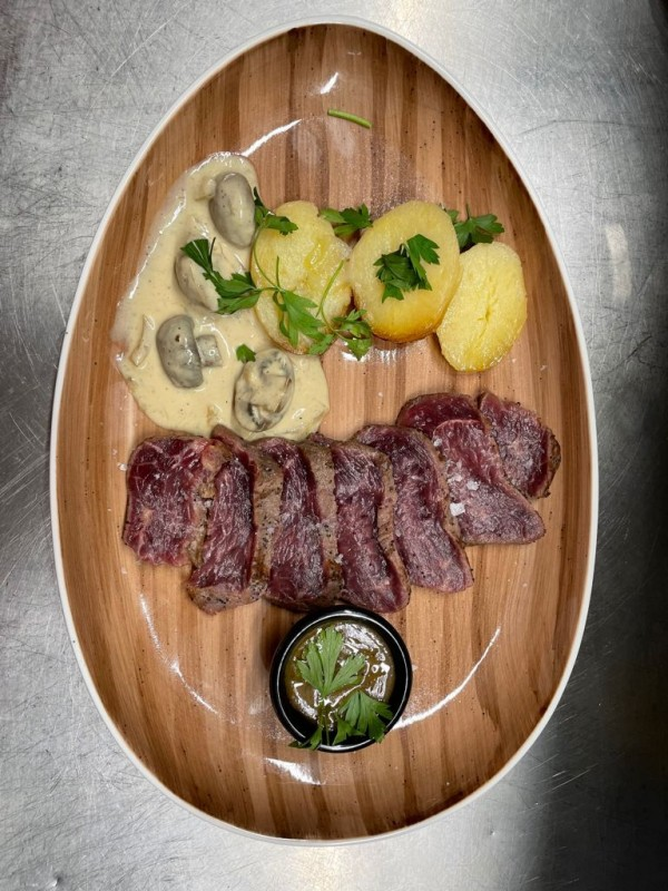 Spanish favourites and exotic food inventions on the menu at Tataki Restaurant Los Alcazares Murcia