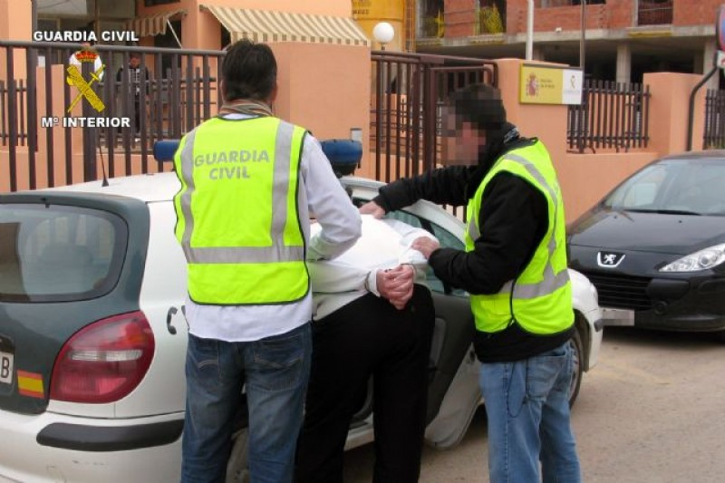 <span style='color:#780948'>ARCHIVED</span> - Five Spanish police officers arrested on drug trafficking charges