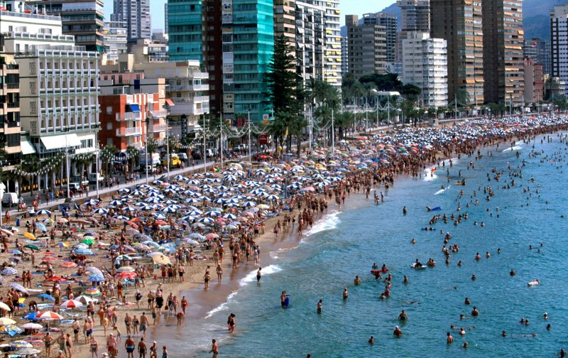 <span style='color:#780948'>ARCHIVED</span> - British holidaymakers make steady comeback in Benidorm