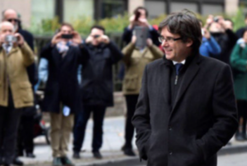<span style='color:#780948'>ARCHIVED</span> - Former Catalan president arrested in Sardinia