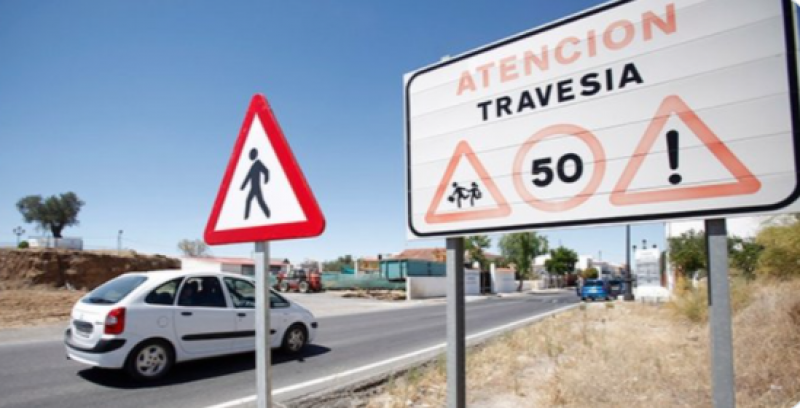 <span style='color:#780948'>ARCHIVED</span> - DGT clarifies rules for driving through towns in Spain