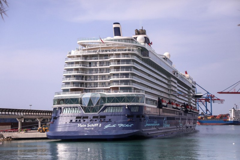 <span style='color:#780948'>ARCHIVED</span> - Relaxed Covid rules for cruises sees more ships dock in Andalusia
