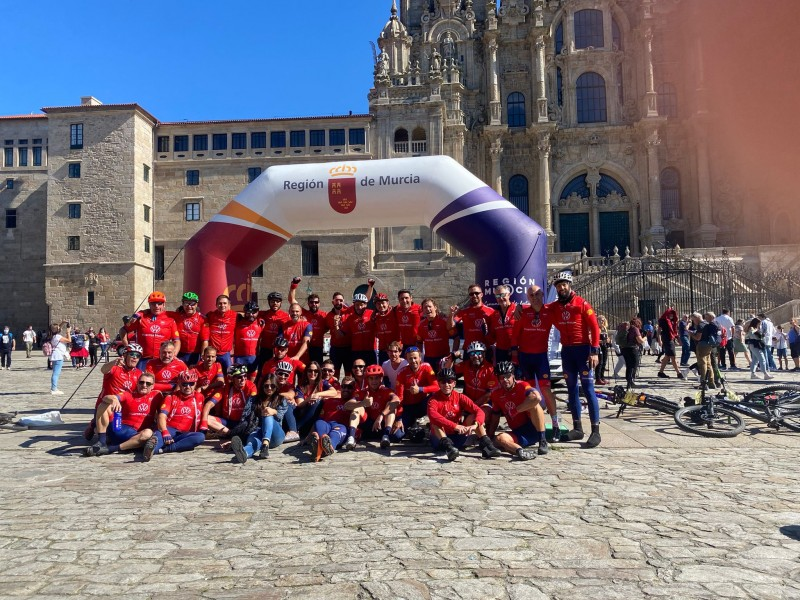 Murcia firefighters raise 40,000 euros for children with cancer