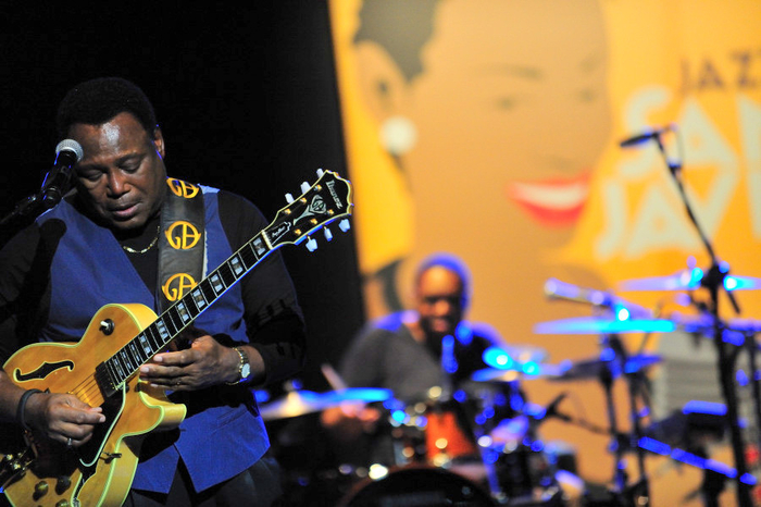 <span style='color:#780948'>ARCHIVED</span> - Classic George Benson kicks off San Javier