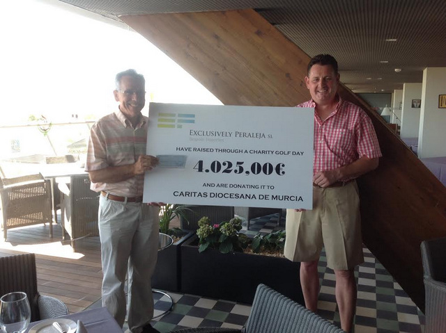 <span style='color:#780948'>ARCHIVED</span> - Peraleja Golfers Present €4025 to Caritas
