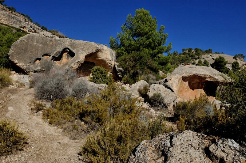 Monte Arabí in Yecla, prehistoric rock art, and a multitude of legends